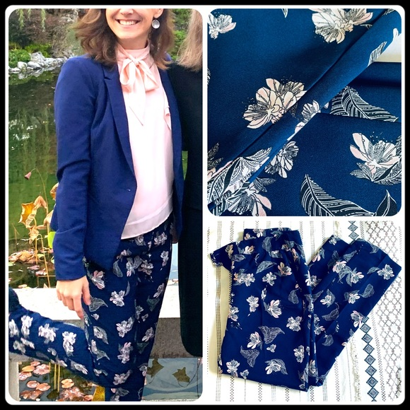 Cynthia Rowley Pants - Navy blue floral ankle pants
